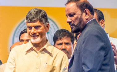 Dr. Murali-awarded-by-Chandrababu-Naidu